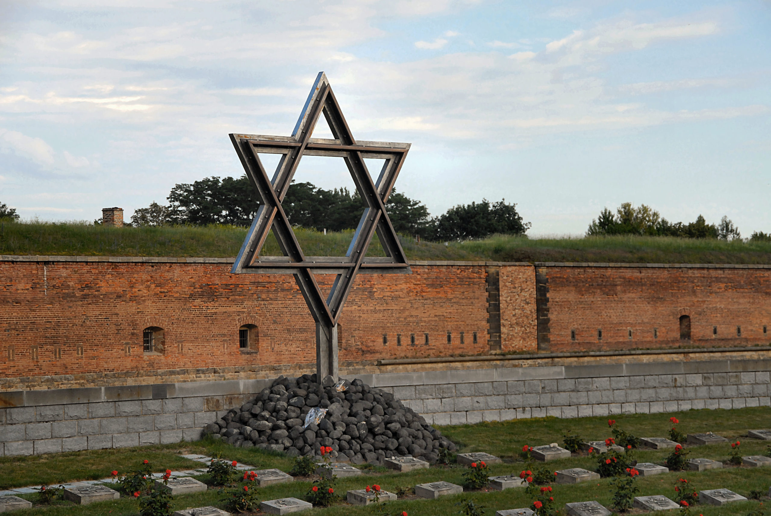 Jewish cemetery at the small fortress of Theresienstadt. Photo courtesy of Michael Leibson.